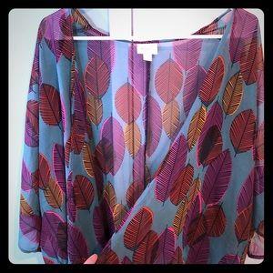 Lularoe Lindsay leaves print kimono in small
